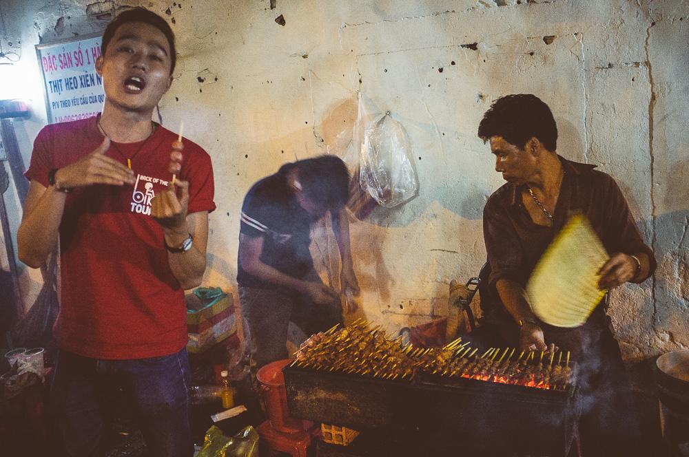 Heo Nuong och Ho Lo Nuong - grillat fläsk och korvbollar